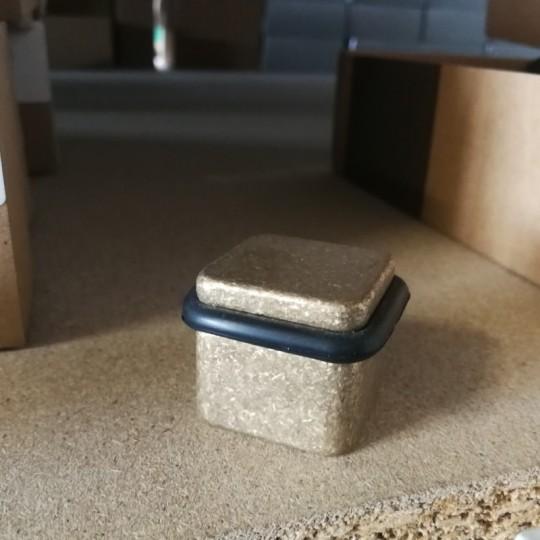 Odbój drzwiowy kwadratowy Minimal Ms mosiądz naturalny