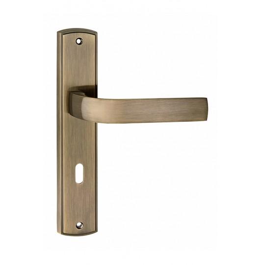 Klamka EUROPA długi szyld do drzwi wewnętrznych patyna