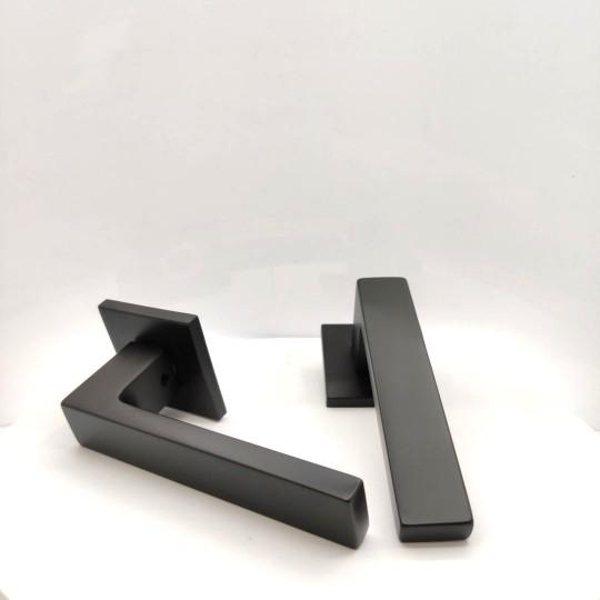 Klamka Focus Slim szyld płaski kwadratowy, czarny